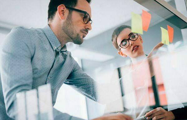 Realizar cursos de administración y dirección de empresas